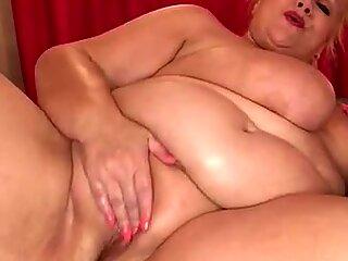 Solo bbw granny anal dildo