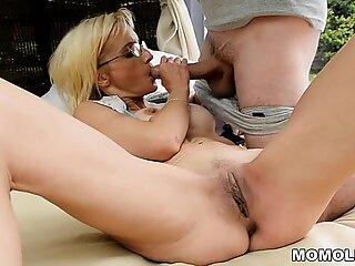 Big dick filled GILF asshole!