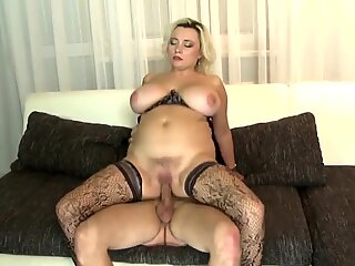 Busty mature mom entices fortunate young dude