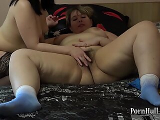 plumper girl-on-girl cuni fisting