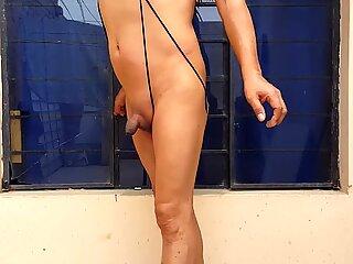 Travesti de closet de Ica, muestra su cuerpo desnudo y sexy...