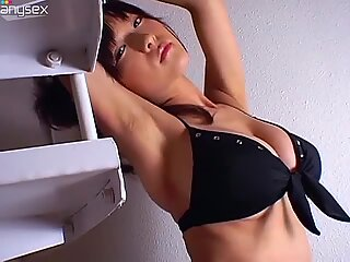 Japanese hot model Mizuki Horii poses in sexy bikini