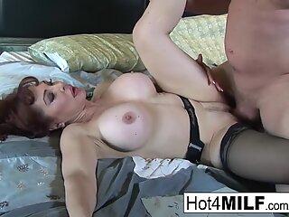 supah hot Sexy Vanessa shows off her hot underwear