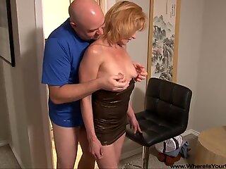OMG Mommy Got Butt Fucked !